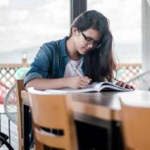 负担过重:估算公立大学的FAFSA验证费用