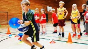篮球与数学在启发孩子学习方面得分很高