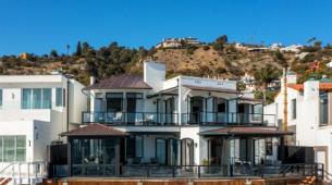 Netflix首席内容官特德萨兰多斯以1470万美元的价格出售Malibu海滩别墅