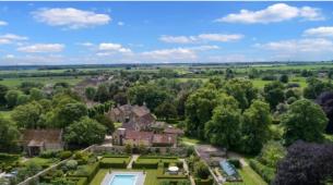 托马顿的11个卧室的豪宅以650万英镑的价格出售