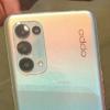 这款手机延续了Reno 4系列的设计风格