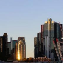 悉尼巴兰加鲁公寓大楼内的富人购买物业
