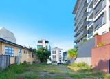 开发商和居民在拍卖前关注棕榈滩黄金地段