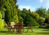 更新您的花园可能是增加您财产价值的关键