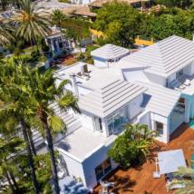 马拉加在西班牙太阳海岸的价值730万美元的现代别墅中与迈阿密相遇