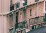 维持当前回购利率的决定导致房地产市场错失进一步增长的机会