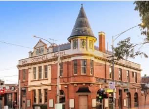 卡尔顿历史悠久的爱尔兰酒吧丹奥康奈尔酒店出售