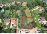 0.34英亩地块以750000英镑的价格出售