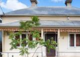 买家在里士满花费数百万美元购买两处完全不同的房产