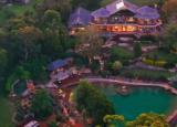 特雷希尔山泻湖带出租车的电影院和水族馆的房地产价格是1050万