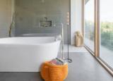 最近的调查显示房主渴望水疗风格的浴室